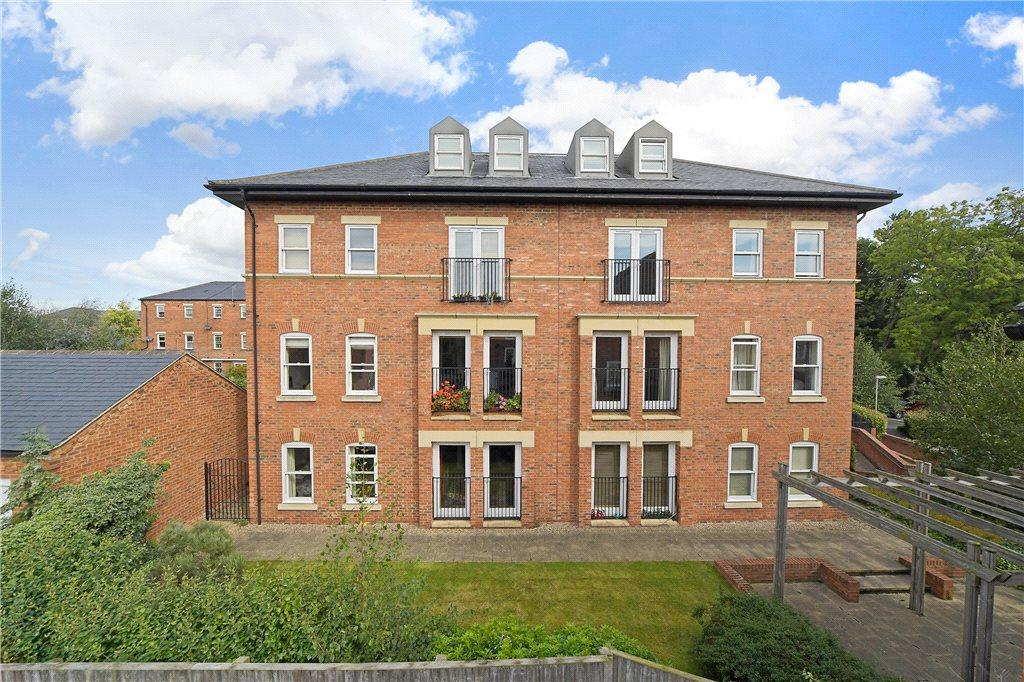 2 Bedrooms Apartment Flat for sale in College Court, Steven Way, Ripon, North Yorkshire