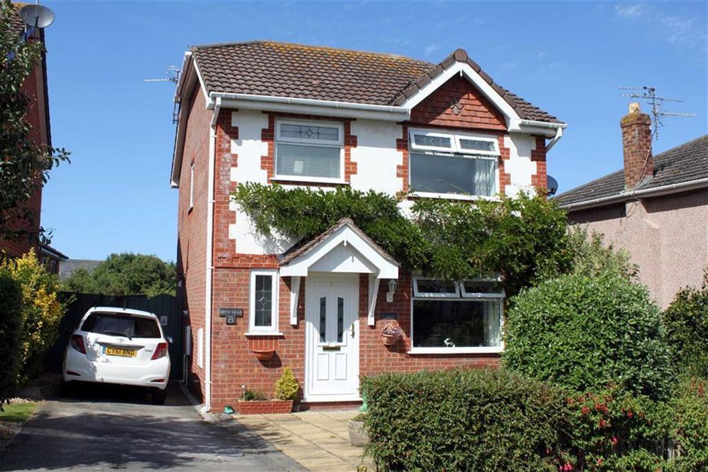 3 Bedrooms Detached House for sale in Powys Road, Llandudno, Conwy
