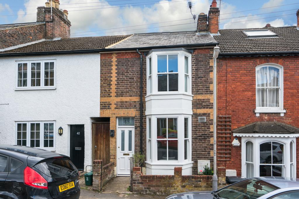 3 Bedrooms Terraced House for sale in Kitsbury Road, Berkhamsted HP4