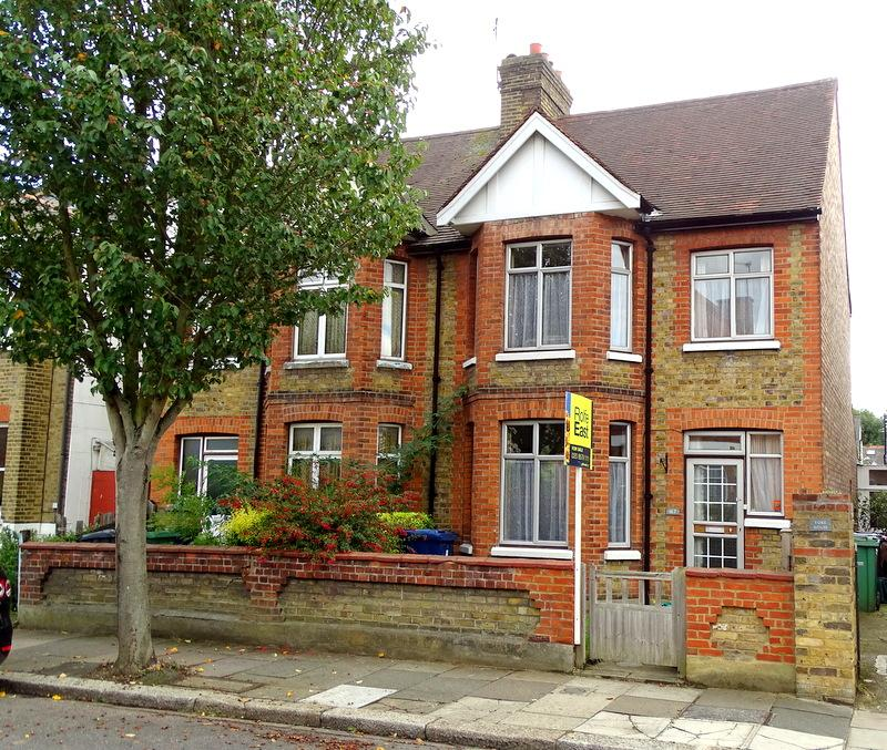 3 Bedrooms House for sale in Murray Road, Ealing