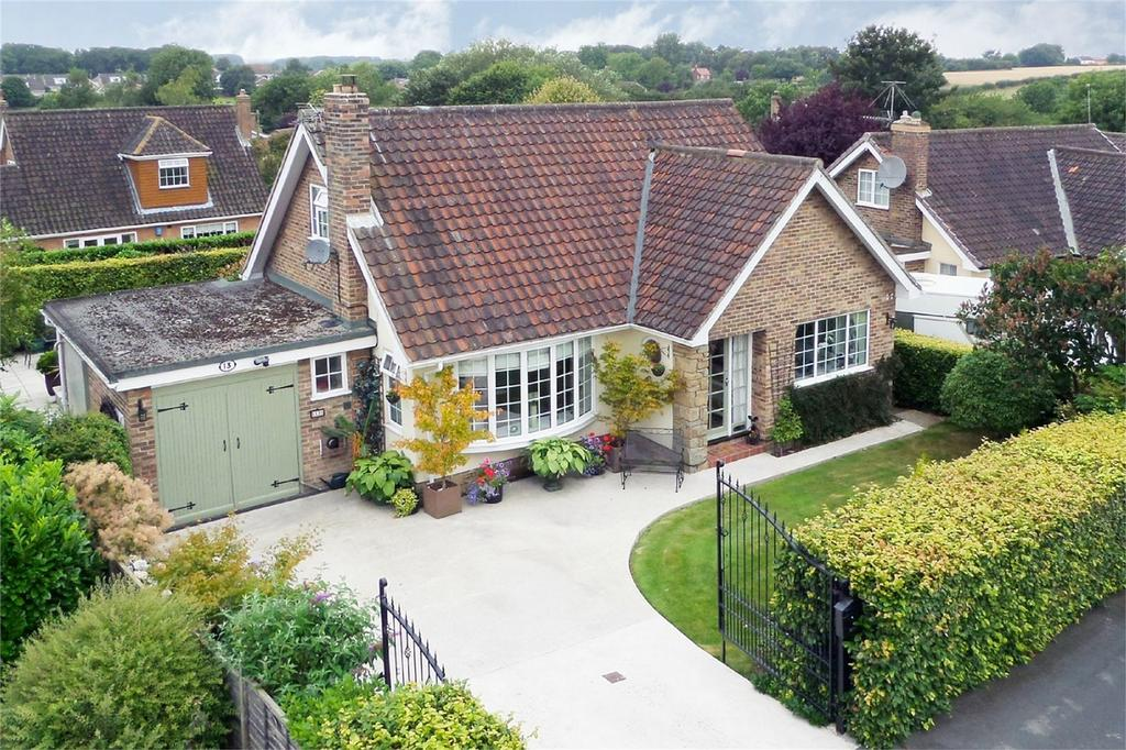 4 Bedrooms Detached House for sale in Springdale Road, Market Weighton, York