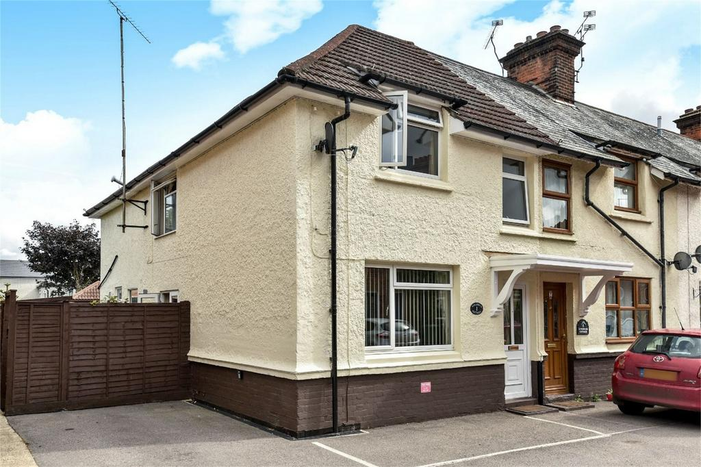 3 Bedrooms End Of Terrace House for sale in Alton, Hampshire