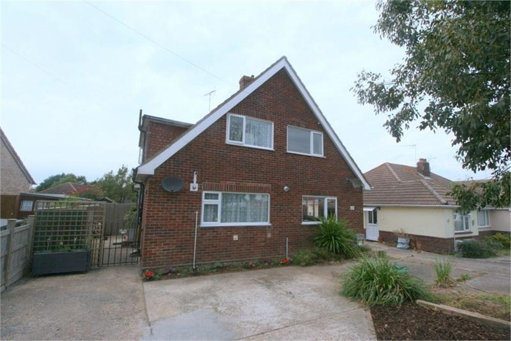 2 Bedrooms Semi Detached House for sale in Walton Road, WALTON ON THE NAZE, Essex