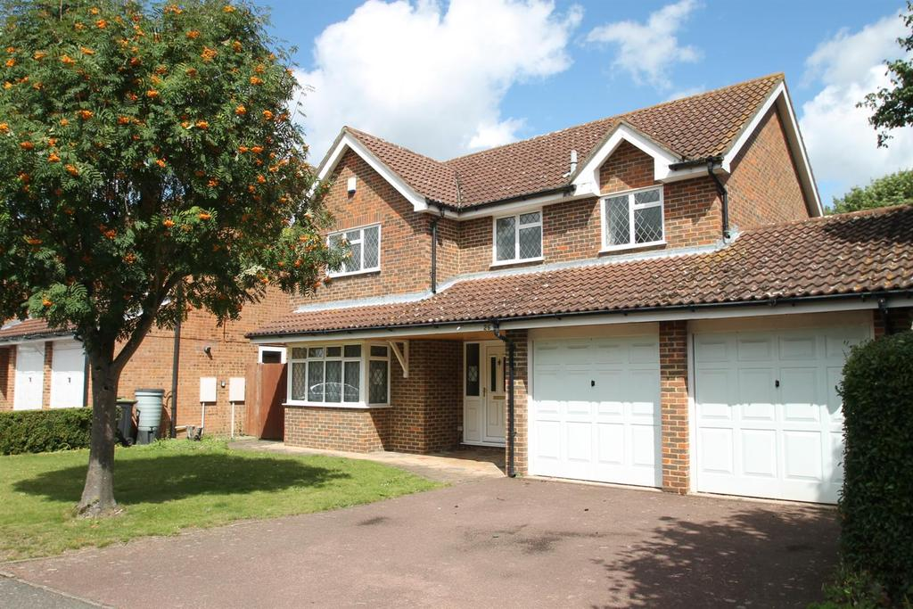 4 Bedrooms Detached House for sale in Ragstone Court, Ditton, Aylesford