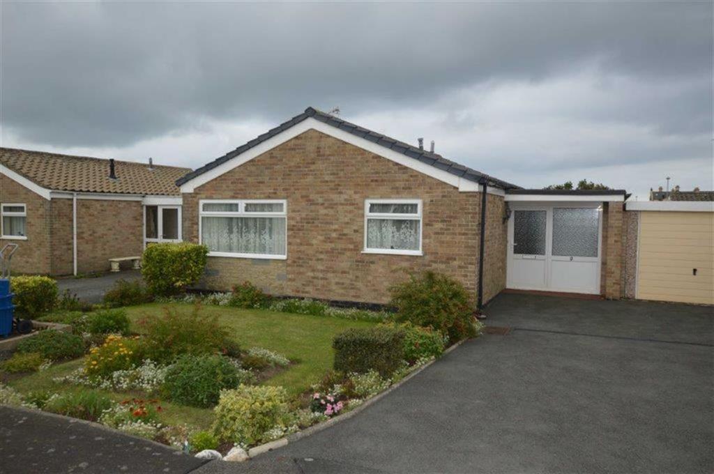 3 Bedrooms Detached Bungalow for sale in 2, Dolgoch Walk, Tywyn, Gwynedd, LL36
