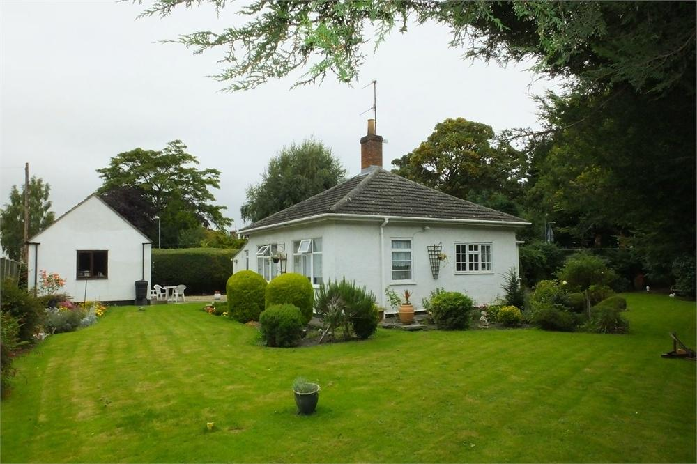 2 Bedrooms Detached Bungalow for sale in London Road, Boston, Lincolnshire