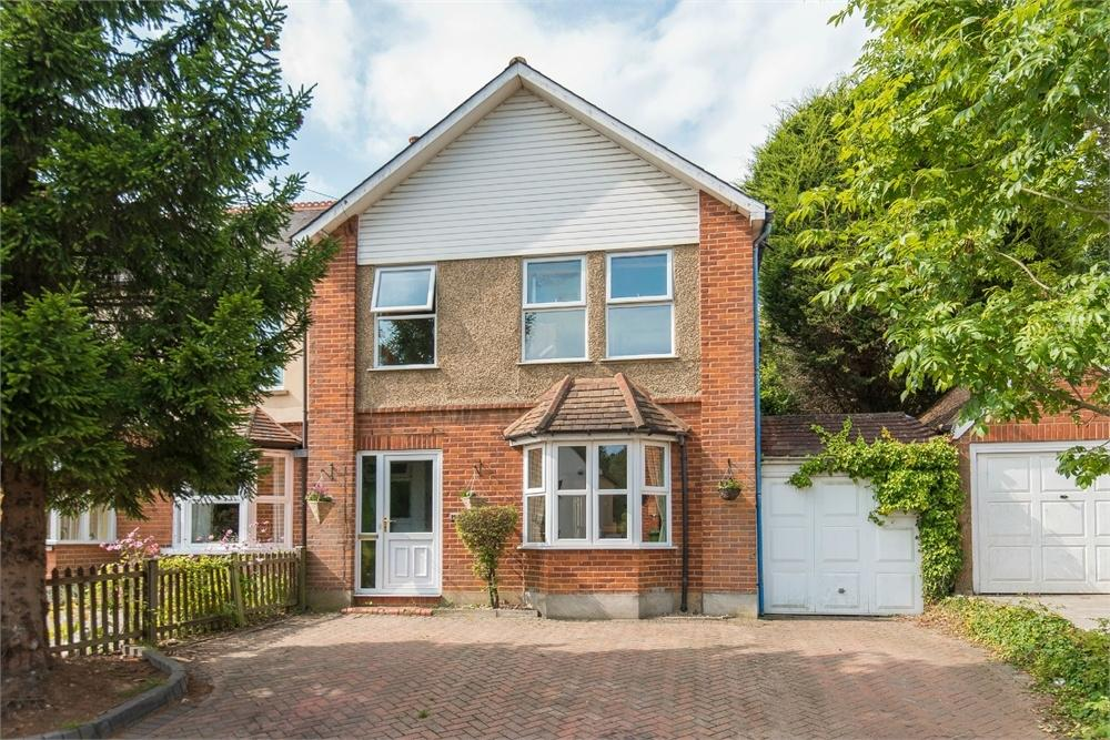 4 Bedrooms Semi Detached House for sale in Lower Road, Chalfont St Peter, Buckinghamshire