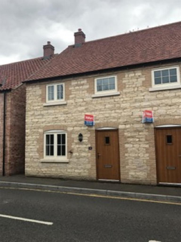 3 Bedrooms Semi Detached House for rent in Bar Lane, Waddington, Lincoln, Lincolnshire. LN5 9SA