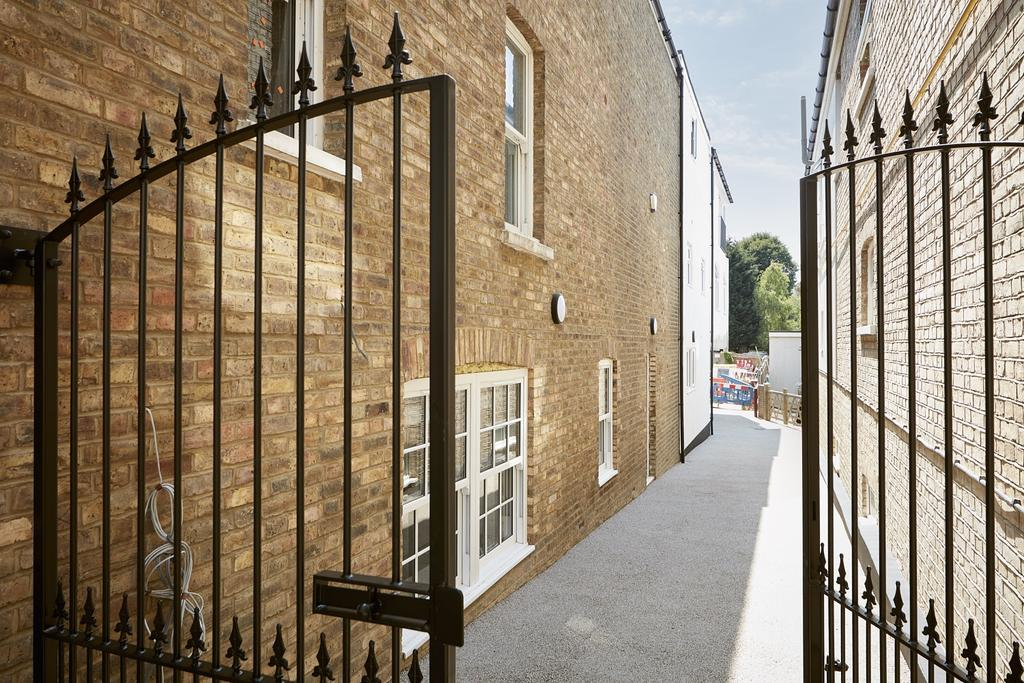 2 Bedrooms Flat for sale in St Johns Hill Sevenoaks TN13