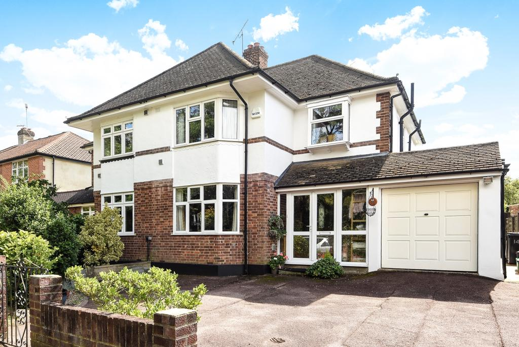 4 Bedrooms Semi Detached House for sale in Broke Farm Drive Orpington BR6