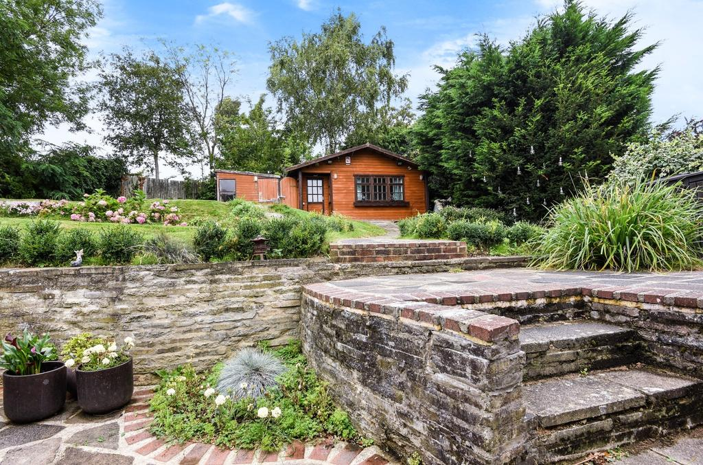 4 Bedrooms Detached House for sale in Perry Hall Road Orpington BR6