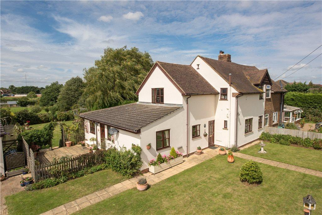4 Bedrooms Semi Detached House for sale in The Baulk, Potton, Sandy, Bedfordshire