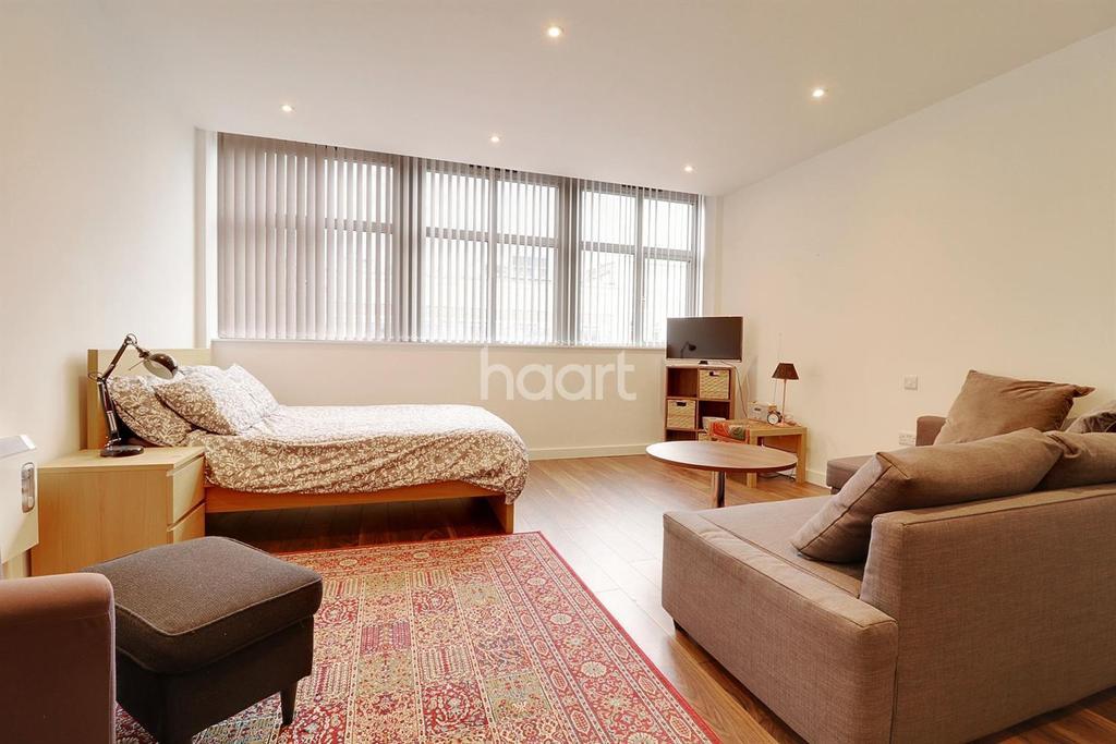 Studio Flat for sale in Talbot Skyline, Imperial Drive, HA2