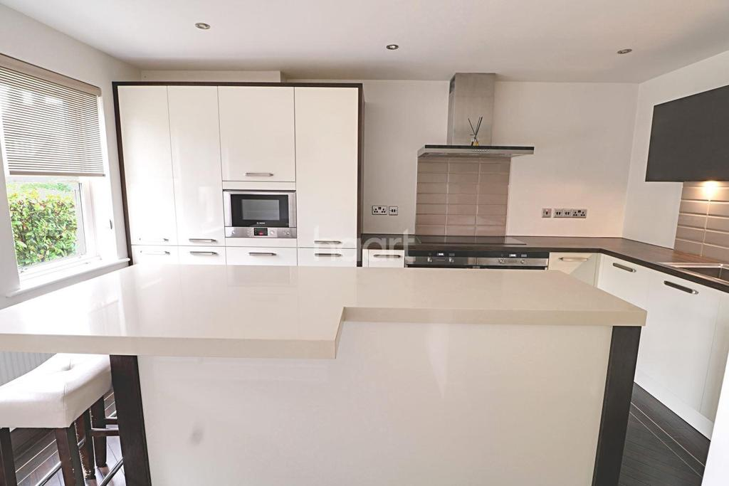 4 Bedrooms Semi Detached House for sale in Richmond Villas , Cleveland Road , E18