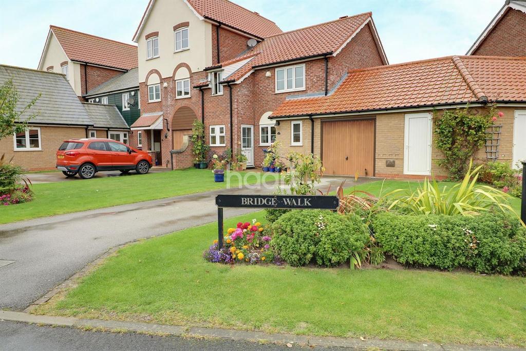 3 Bedrooms Terraced House for sale in Bridge Walk, Burton Waters