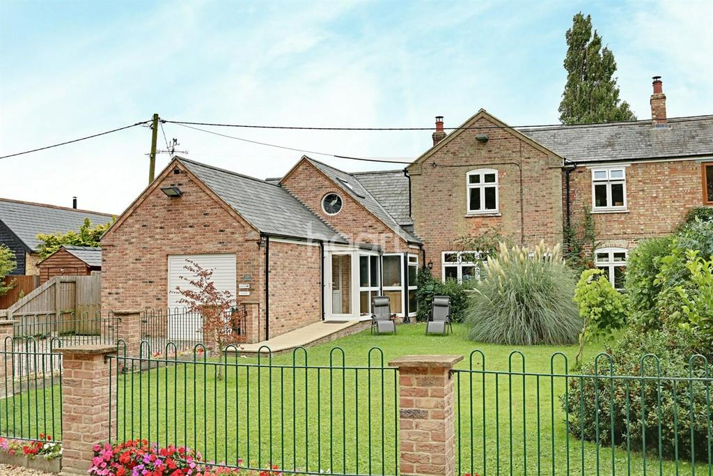 4 Bedrooms Semi Detached House for sale in March Road, Friday Bridge