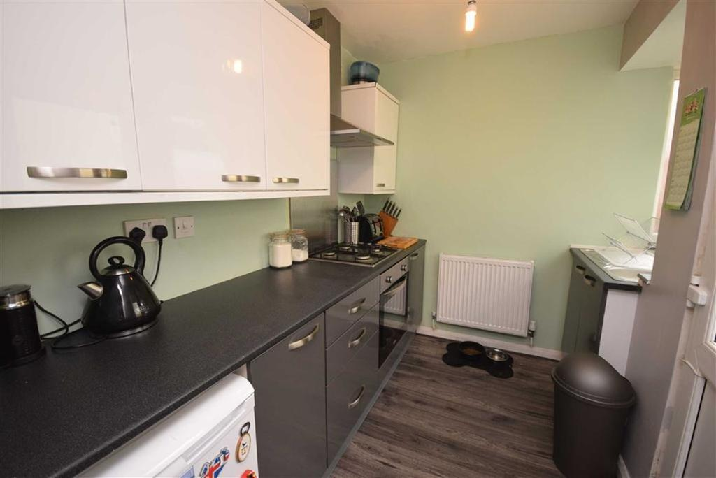 3 Bedrooms Terraced House for sale in Wynotham Street, Burnley, Lancashire