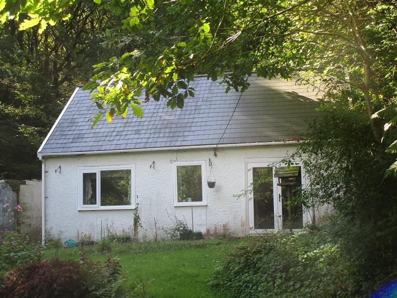 2 Bedrooms Detached Bungalow for sale in Rhiwfawr Road, Lower Cwmtwrch, Swansea.