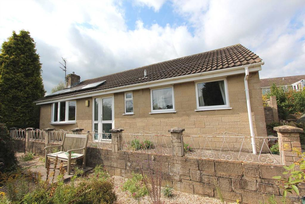 2 Bedrooms Detached Bungalow for sale in Shepherds Croft, Uplands