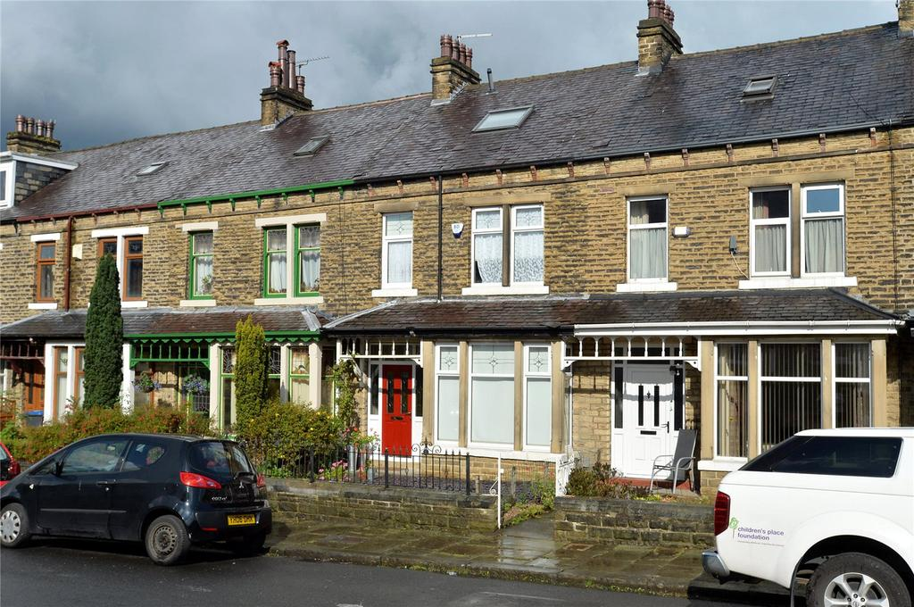 4 Bedrooms Terraced House for sale in Ferndale Grove, Bradford, West Yorkshire, BD9