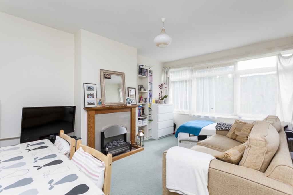 1 Bedroom Flat for sale in Augustus Road, Southfields, London, SW19