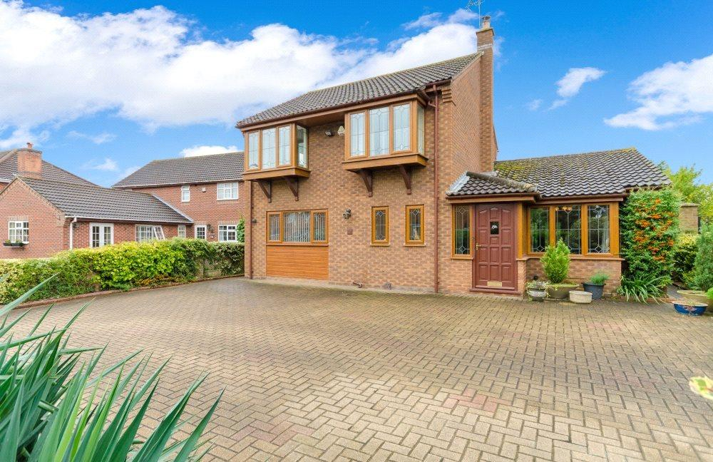 3 Bedrooms Detached House for sale in Spalding Road, Bourne, PE10