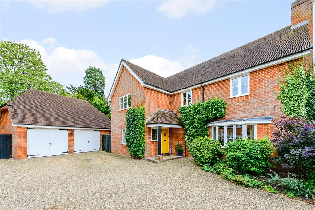 5 Bedrooms Detached House for sale in Manor Farm, Wanborough, Guildford, Surrey