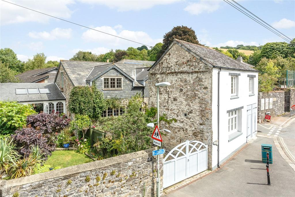 4 Bedrooms Detached House for sale in Love Lane, Ashburton, Newton Abbot, Devon