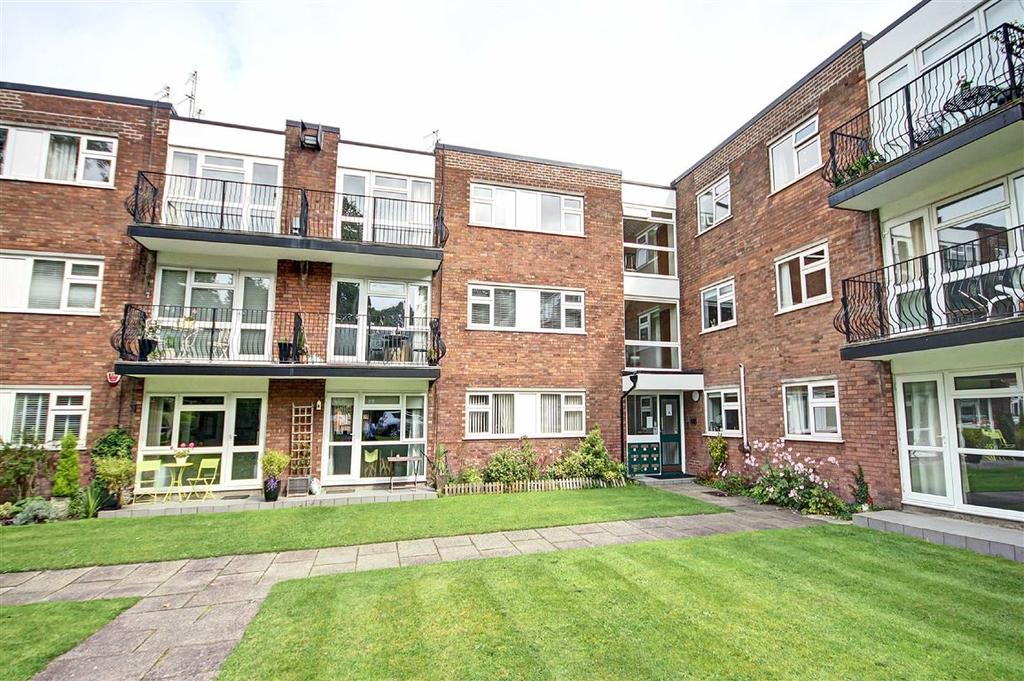 2 Bedrooms Apartment Flat for sale in Townfield Gardens, Altrincham, Cheshire