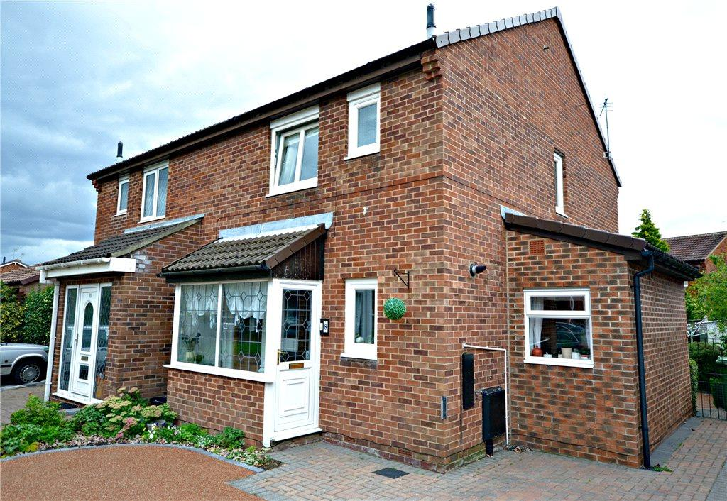 3 Bedrooms Semi Detached House for sale in Gleneagles Close, Billingham