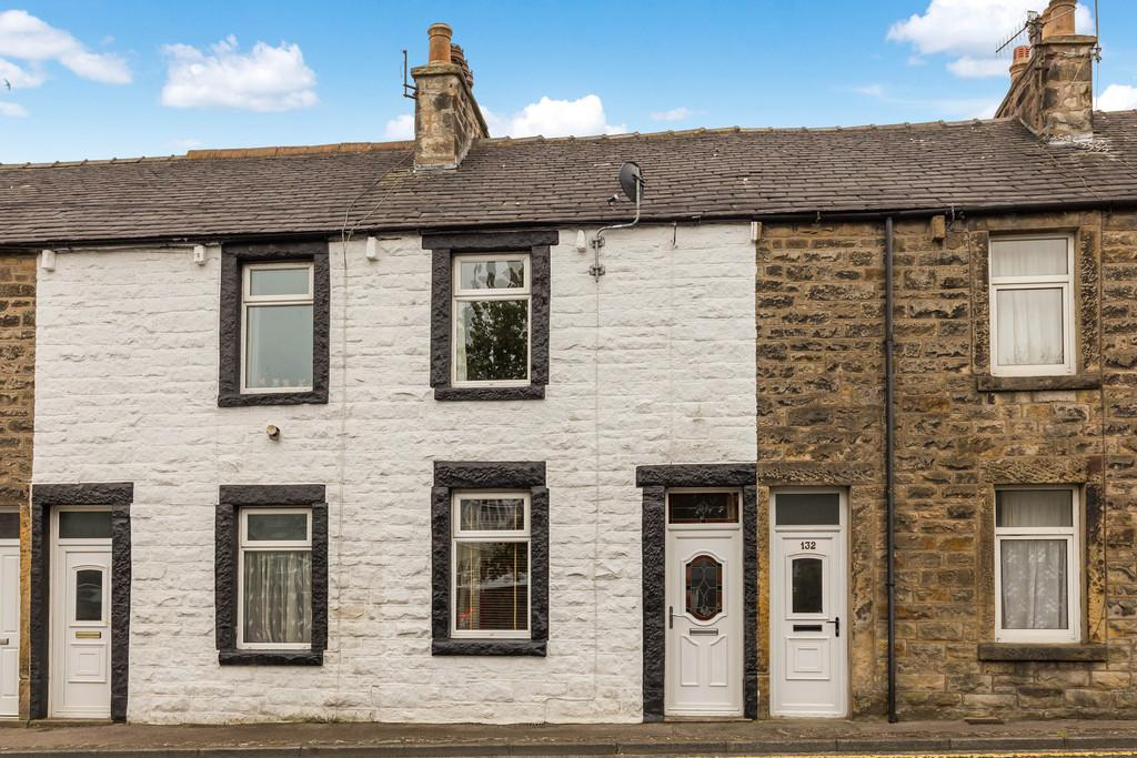 2 Bedrooms Terraced House for sale in 134 Kellet Road, Carnforth, Lancashire LA5 9LS