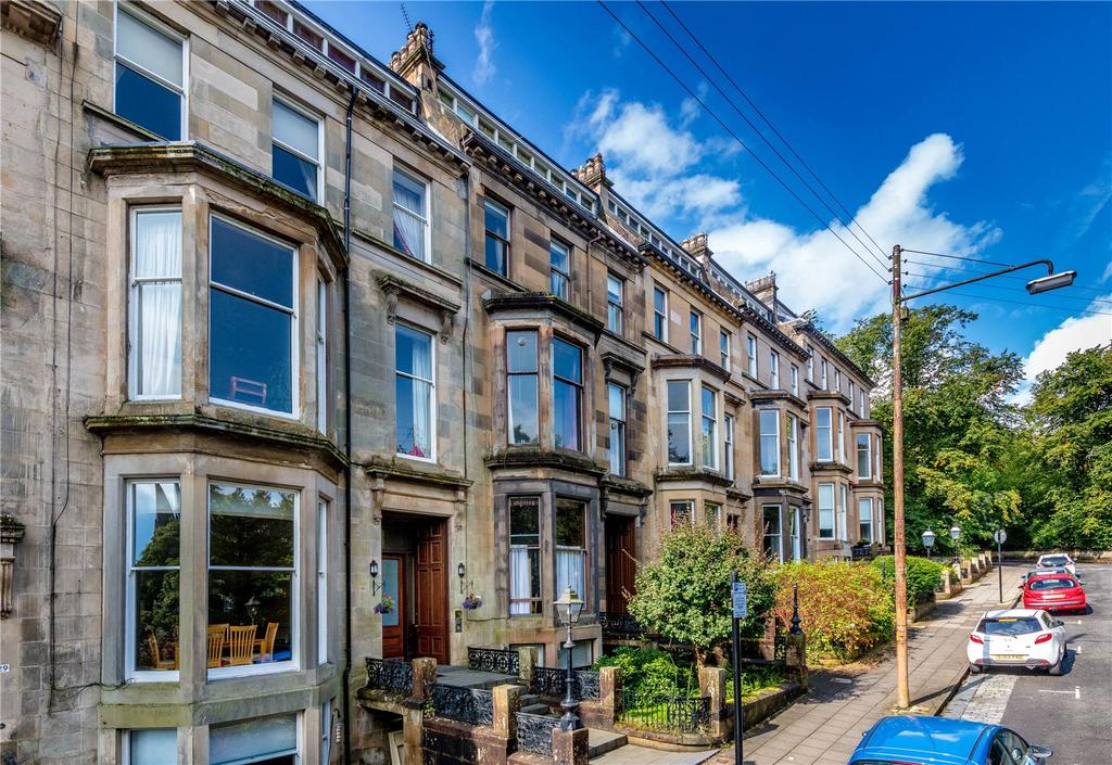 3 Bedrooms Flat for sale in Flat 3, 30 Huntly Gardens, Glasgow, G12