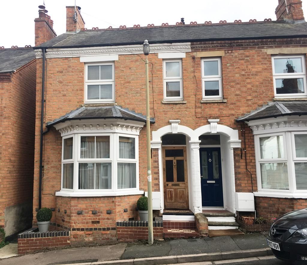 3 Bedrooms Semi Detached House for sale in Grosvenor Road, Banbury