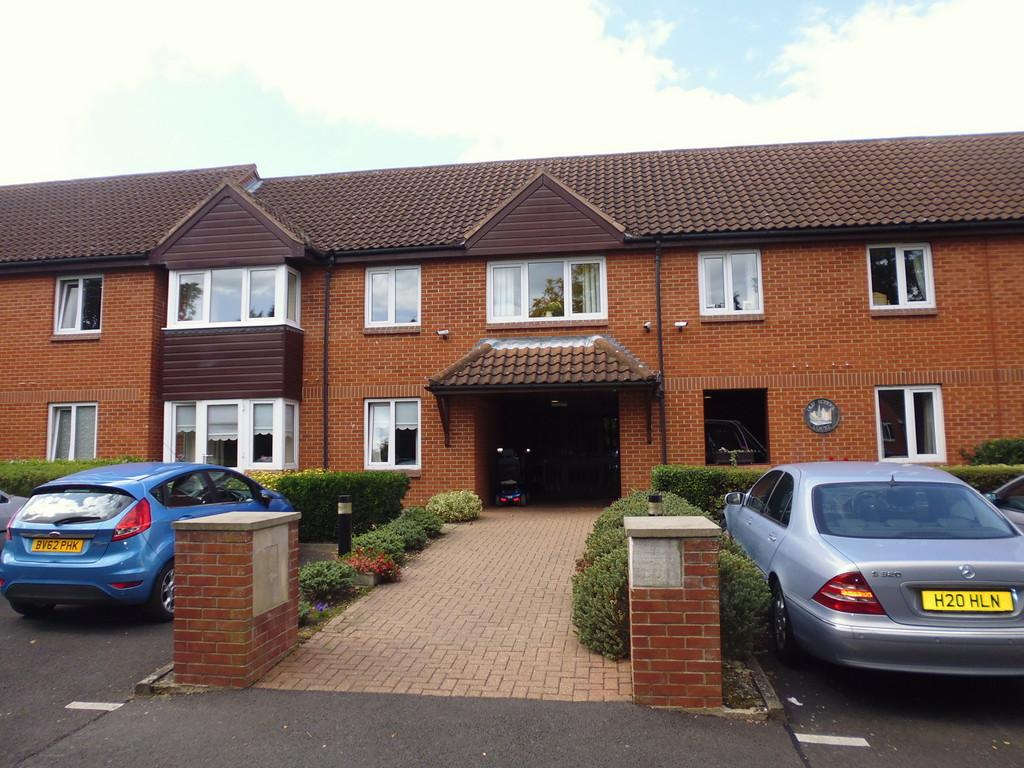 1 Bedroom Ground Flat for sale in Old School Court, Stowmarket