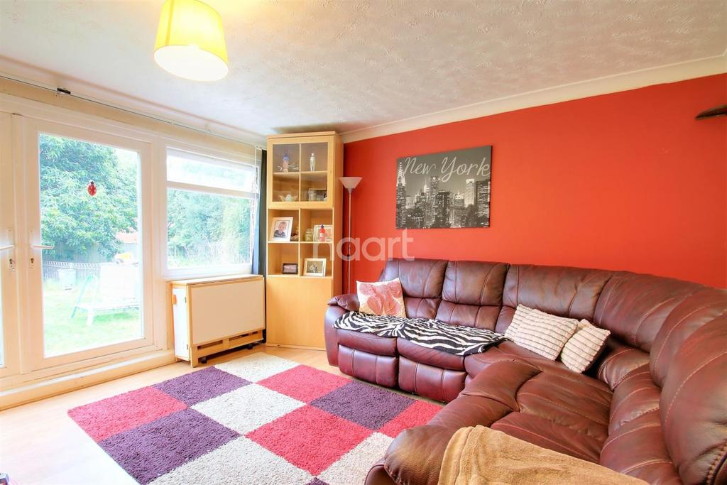 2 Bedrooms Maisonette Flat for sale in Wrangleden Road, Maidstone, Kent, ME15