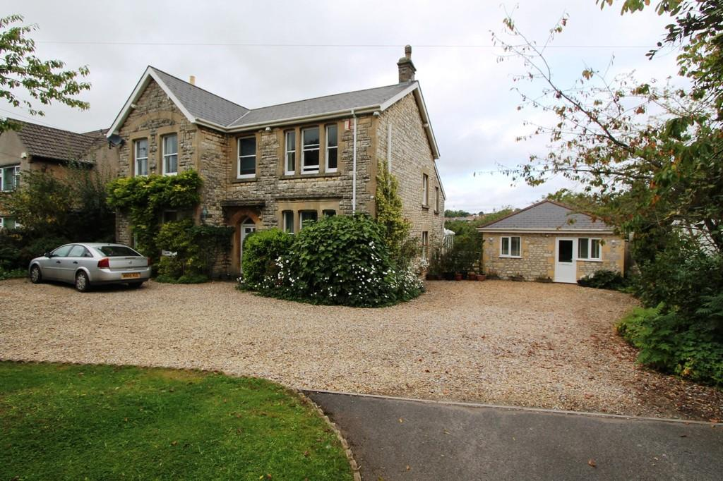 6 Bedrooms Detached House for sale in Midsomer Norton, Near Bath
