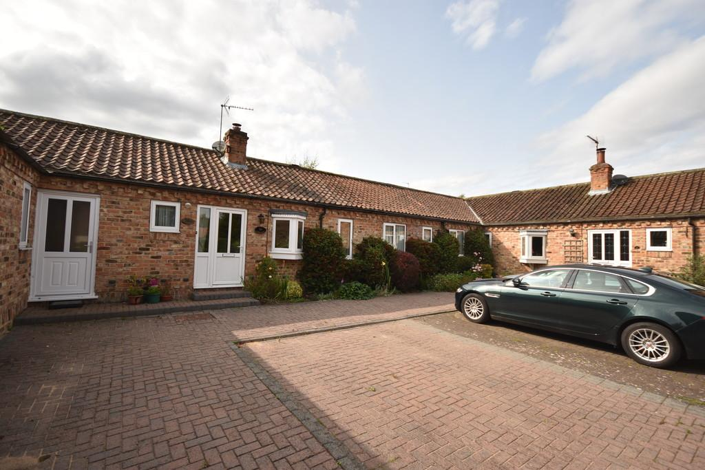 3 Bedrooms Barn Conversion Character Property for sale in Goldsborough, Knaresborough