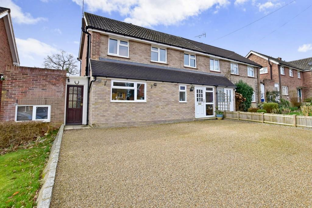 3 Bedrooms Semi Detached House for sale in Quincewood Gardens, Tonbridge