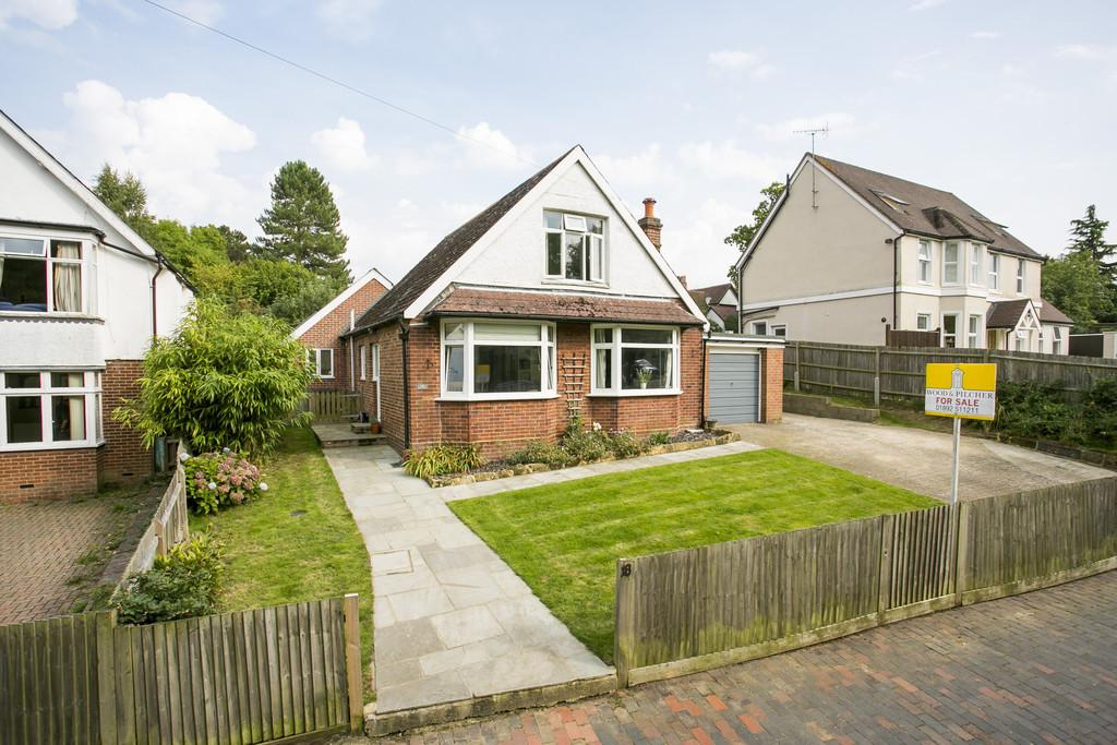 3 Bedrooms Detached Bungalow for sale in Ashley Gardens, Tunbridge Wells