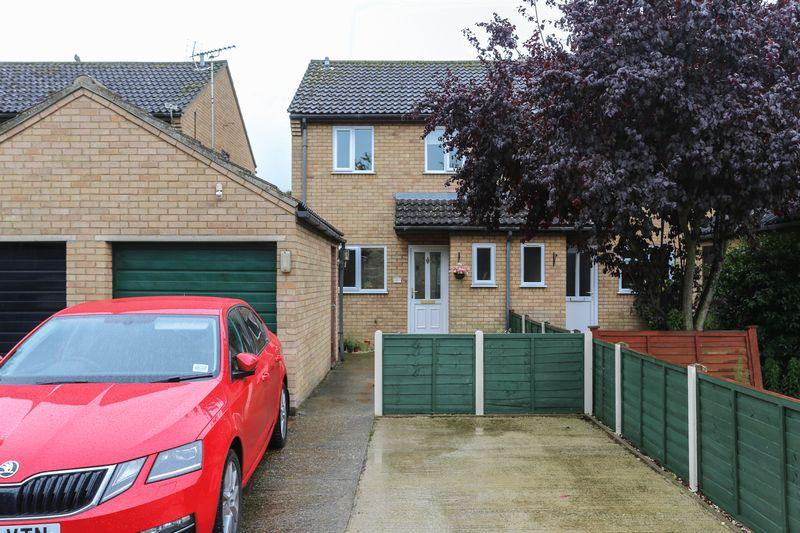 3 Bedrooms Semi Detached House for sale in The Causeway, Soham