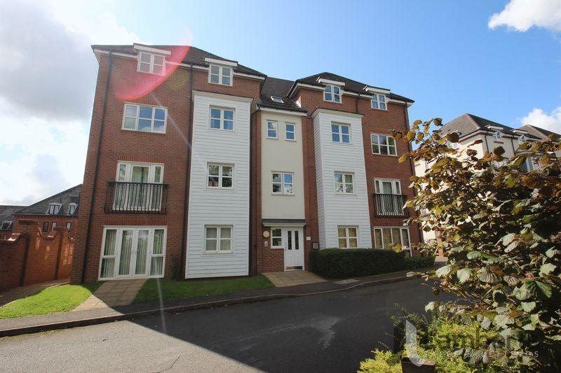 2 Bedrooms Apartment Flat for sale in Shottery Close, Ipsley