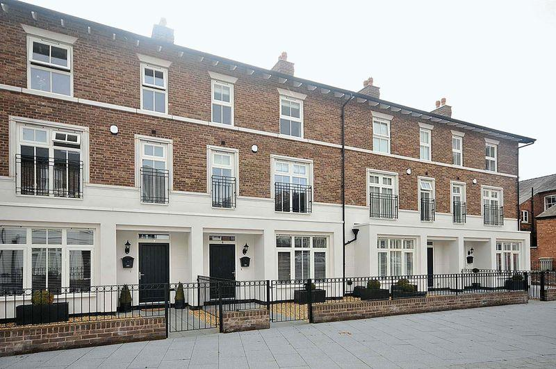 4 Bedrooms Terraced House for sale in Norburys Yard, Knutsford