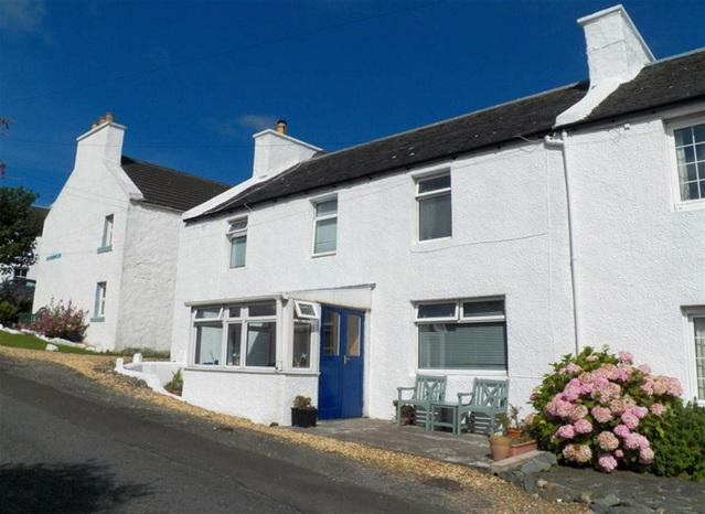 3 Bedrooms Semi Detached House for sale in 6 Pier Road, Port Charlotte, Isle of Islay, PA48 7TT