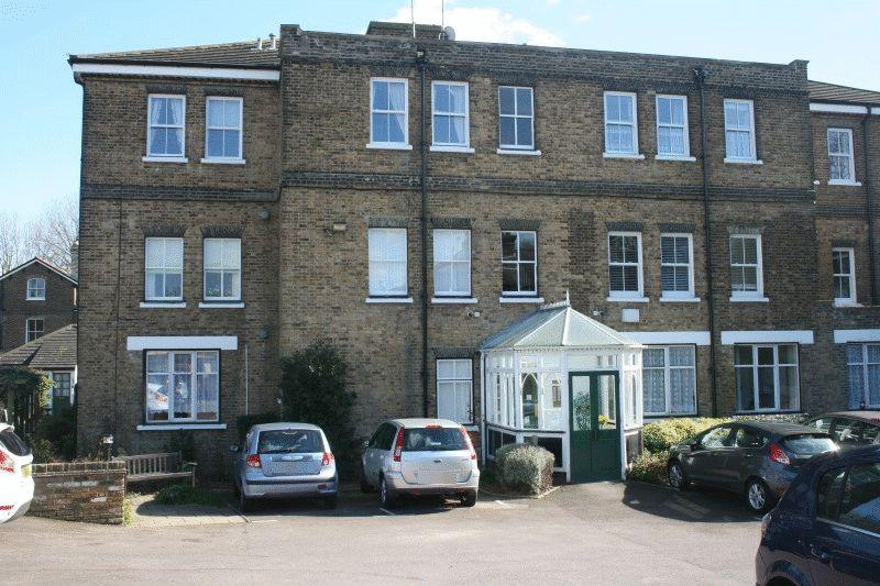 1 Bedroom Flat for sale in Cambridge Court, Cambridge Road, Southend-On-Sea