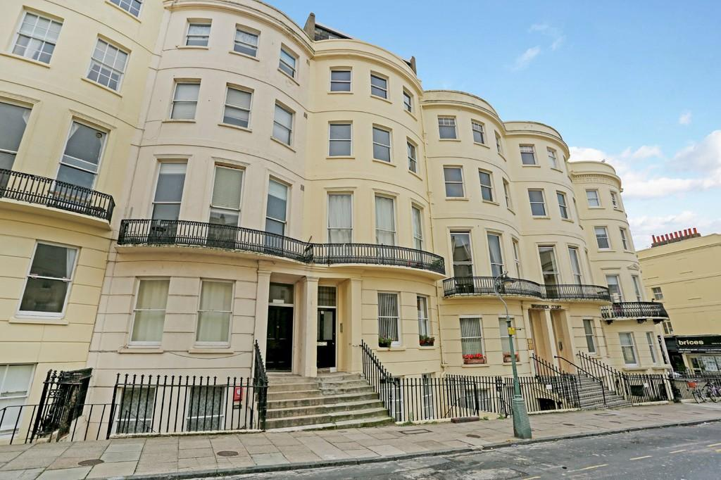 Studio Flat for sale in Brunswick Place, Hove, BN3 1NA