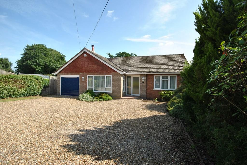 2 Bedrooms Detached Bungalow for sale in Diss, Norfolk