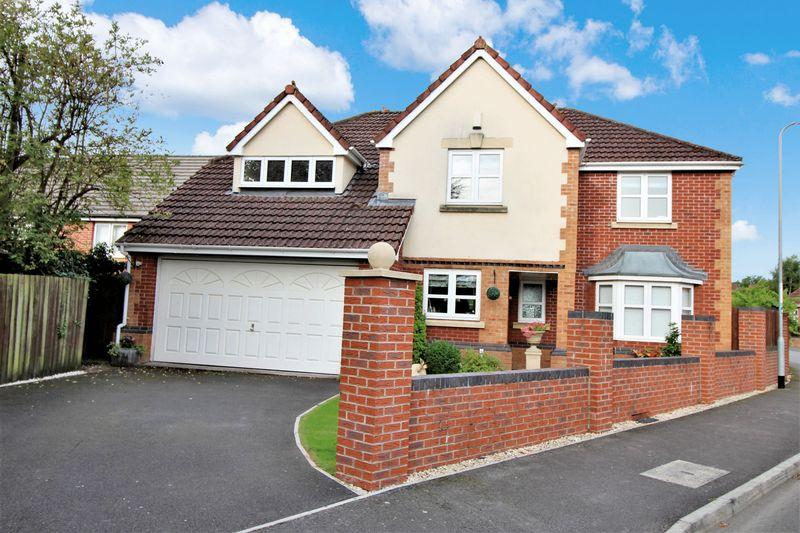 5 Bedrooms Detached House for sale in Silure Way, Langstone, Newport