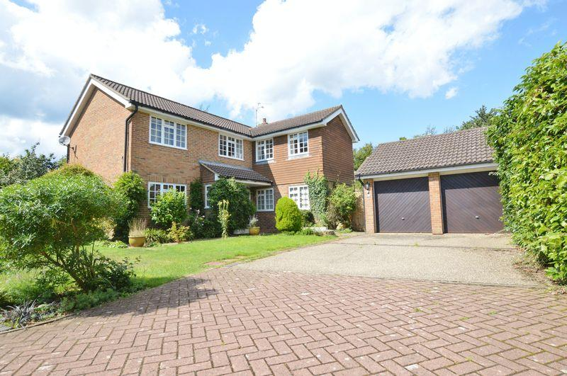 5 Bedrooms Detached House for sale in Pullman Lane, Godalming
