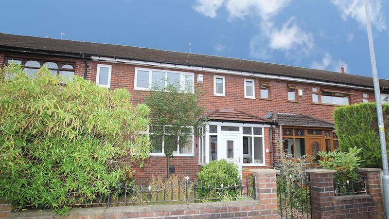3 Bedrooms Semi Detached House for sale in Guildford Grove, Middleton M24 2NY