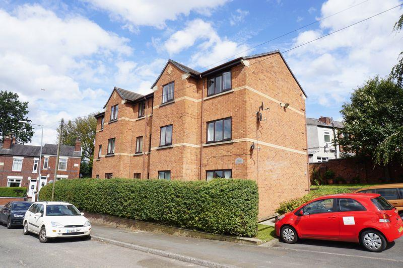 2 Bedrooms Apartment Flat for sale in Chapel Yard, Stockport
